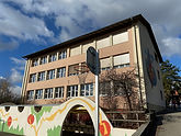 Schulhaus Götze Rafz.jpg