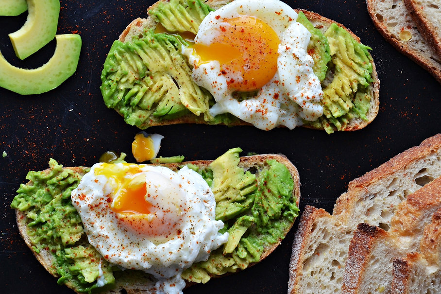 poached-egg-and-avocado-toasts-94201014%