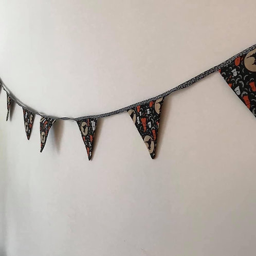 Handmade and reusable Halloween Bunting