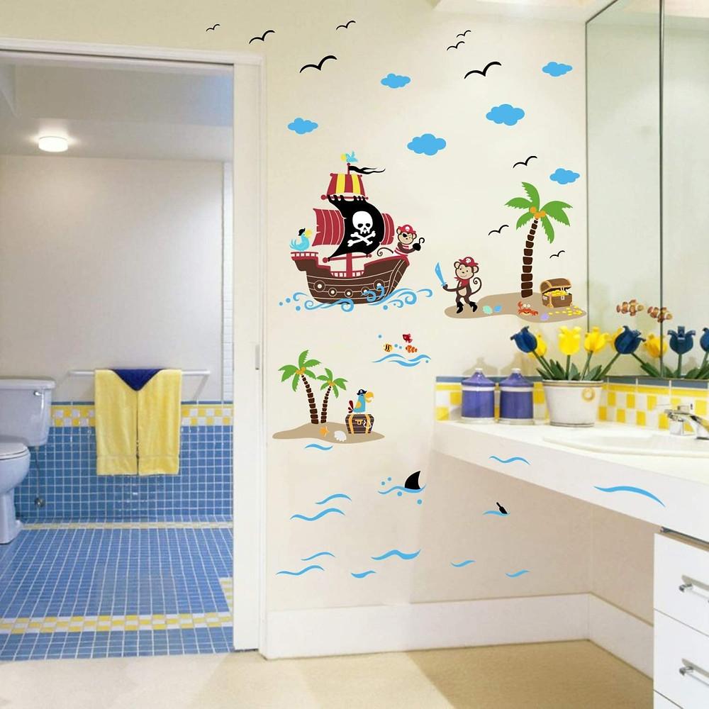 Cuarto de baño infantil decorado con vinilo