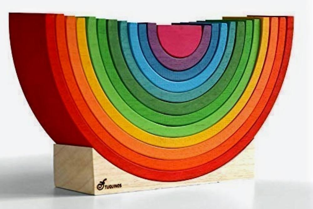 Arcoíris de madera hecho a mano