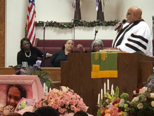 SANIYAH NICHOLSON UNITES A COMMUNITY