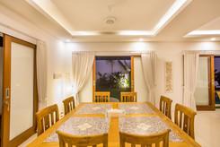 8 DINNING ROOM.jpg