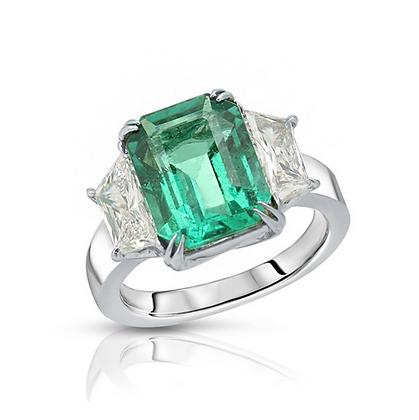 PLATINUM GREEN EMERALD DIAMOND RING