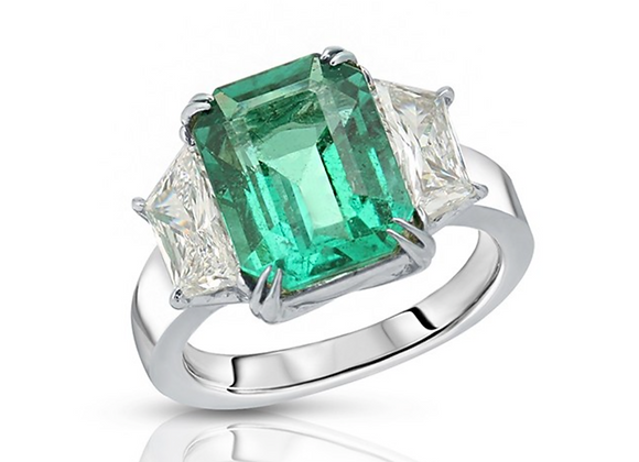 PLATINUM GREEN EMERALD DIAMOND RING