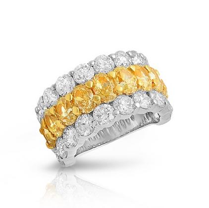 18K DIAMOND RING WITH YELLOW OVALDIAMONDS