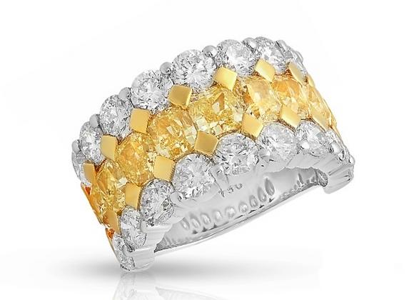 18K DIAMOND RING WITH YELLOW DIAMONDS