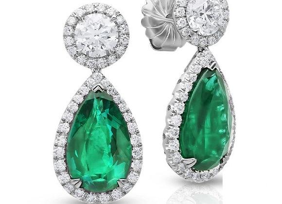 18K PEAR-SHAPE DIAMOND EARRINGS WITH GREEN EMERALD