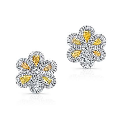 18K DIAMOND EARRINGS WITH YELLOW DIAMONDS