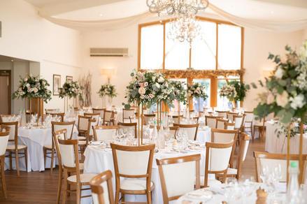 mythe-barn-weddings-28.jpg