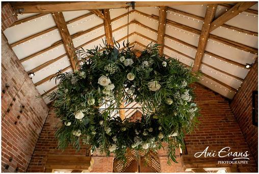 Shustoke-Barn-Wedding-Photography-118_00