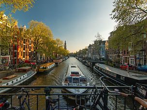 amsterdam-1089646_1920_edited.jpg