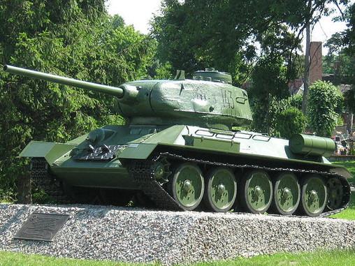 Военная техника в качестве памятников