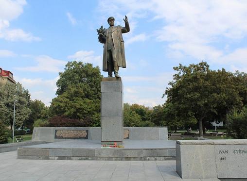 В Праге изменили текст таблички на памятнике маршалу Коневу
