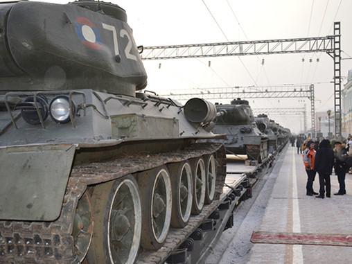 Эшелон танков Т-34 из Лаоса прибыл в Иркутск