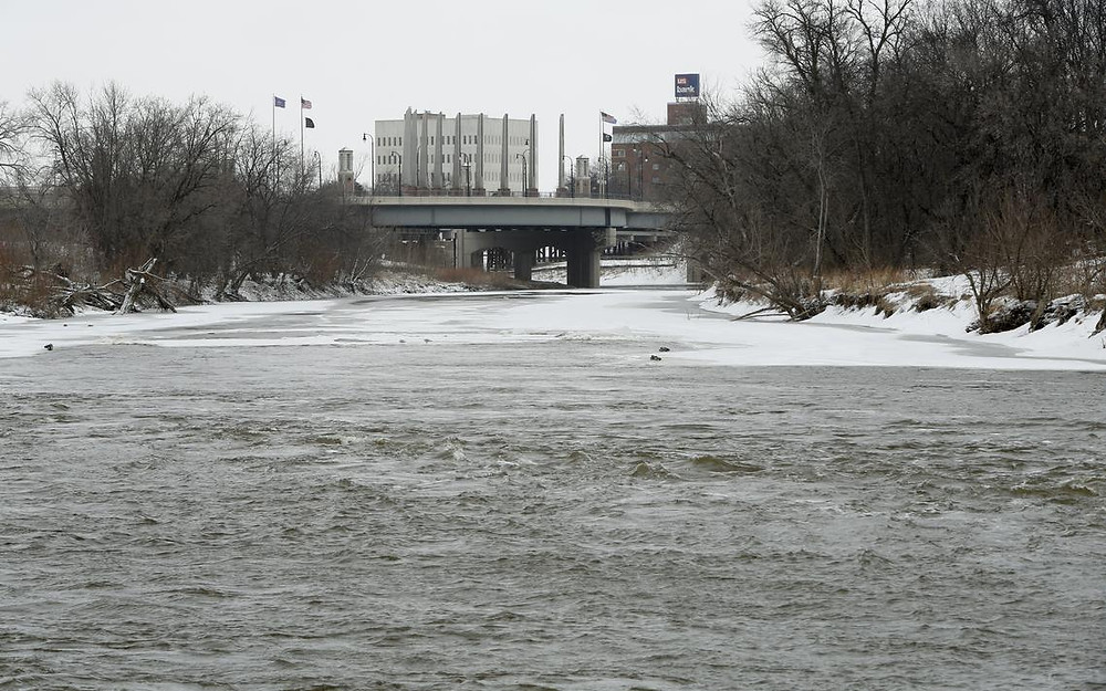 A late winter scene on the Red River