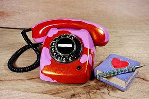 telephone-3144470_1920.jpg