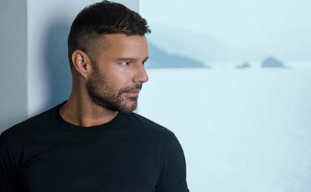 Ricky Martin estrena su nuevo sencillo 'Tiburones'