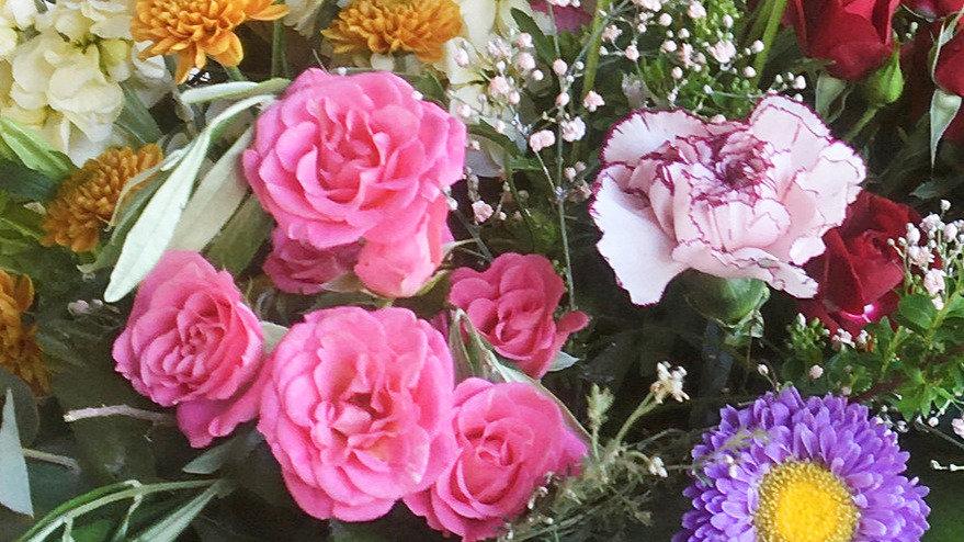 Blumenstrauss gestuft bunt