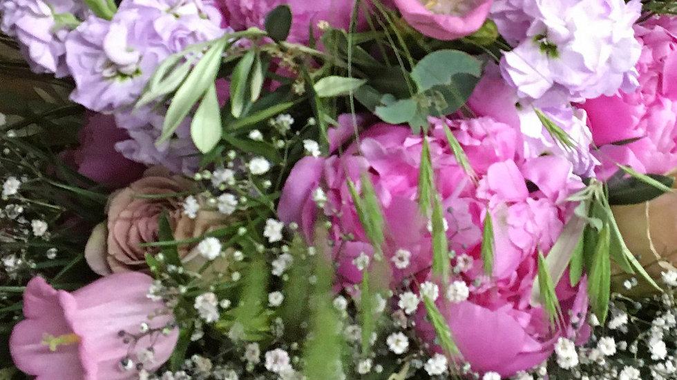 Blumenstrauss locker gebunden rosa