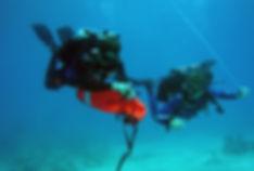 diver using a lift bag