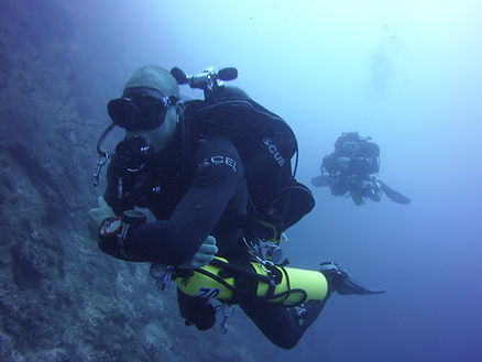 tec 40 divers on the wall in st. croix