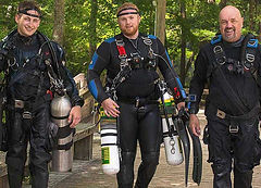 Sidemount Divers Gearing Up