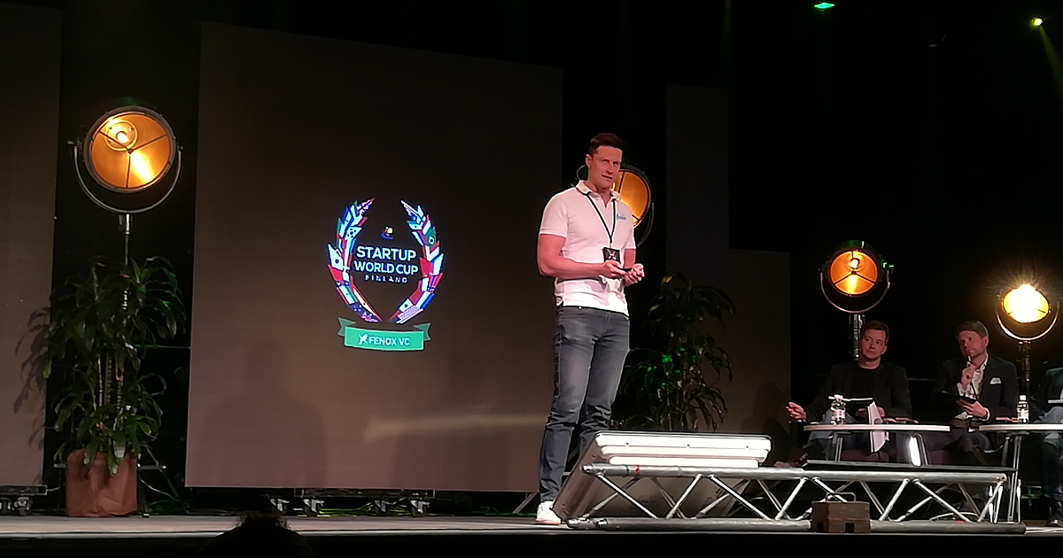 Hookle's CEO Tero Seppälä pitching in Startup World Cup Finland 2019