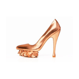 Mirrored Rose Gold Pump with Floating Hydrangea Platform