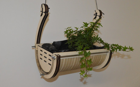Hang-out Planter