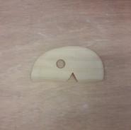 Lomer hout rond/ recht met inkeping M