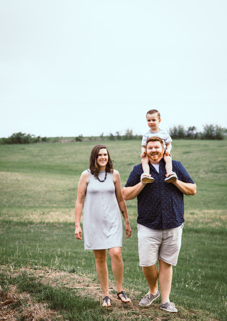 family photographer in columbia mo missouri outdoor pics nature rustic