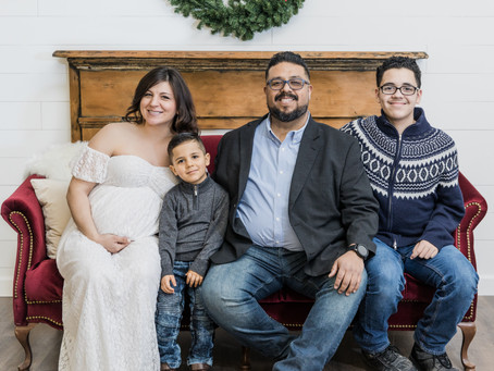 A Growing Family at Blue Diamond Events | Christmas Family Portraits