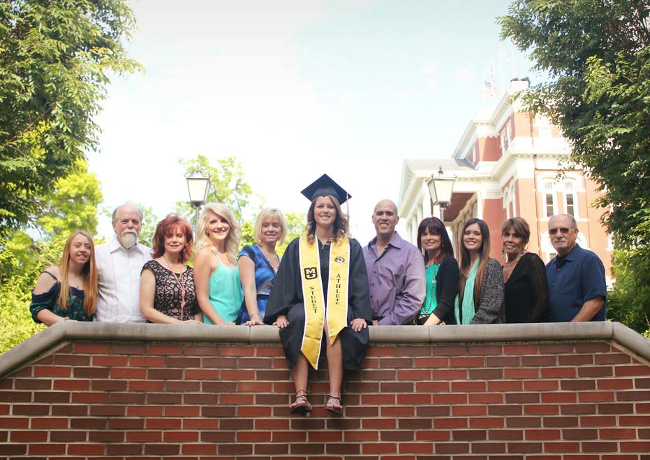 college grad family photos mizzou senior columbia mo ashland