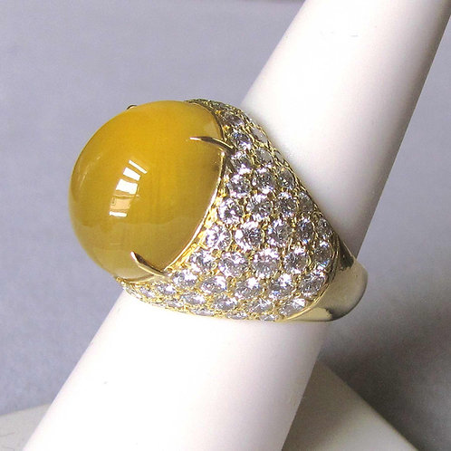 18K Cabochon Cut Golden Beryl and Pave Diamond Ring