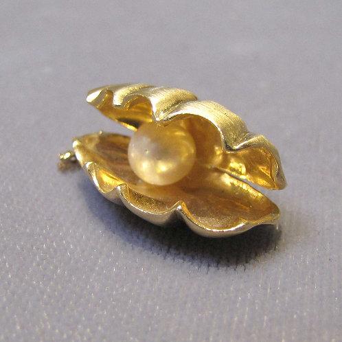 14K Hawaiian Clam Shell Charm with Pearl