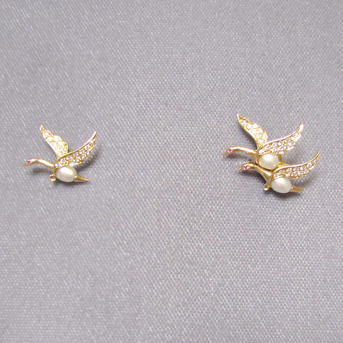 Flying Geese Jabot Pin with Diamond and Pearls