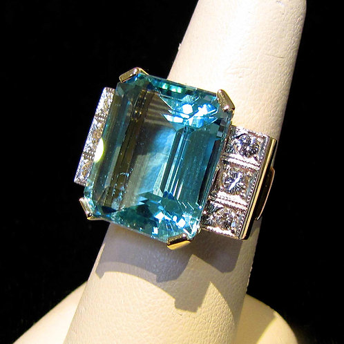 Retro 1940s Large Aquamarine and Diamond Ring
