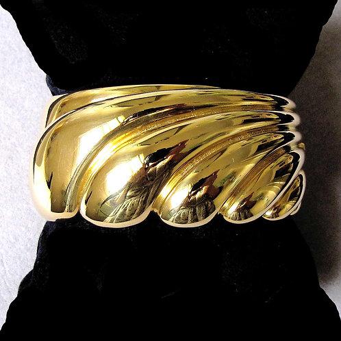 Impressive Modern Italian 18K Hinged Bangle Bracelet