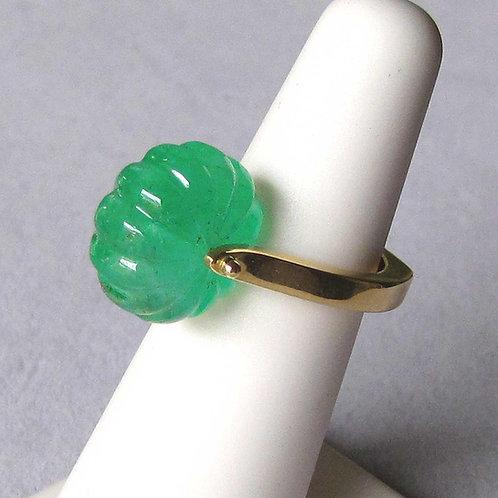 Modern 18K Carved Emerald Bead Ring