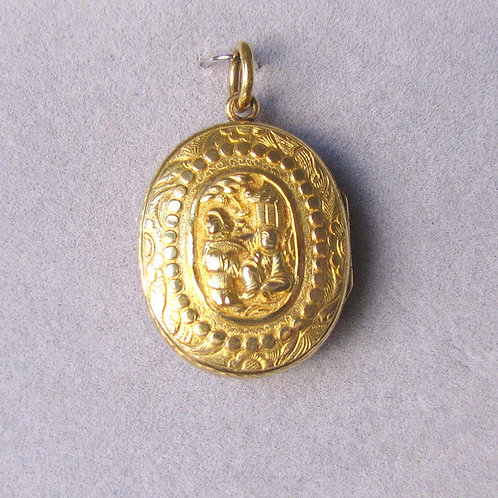 Antique Chinese Export 18K Oval Locket with Engraving and Relief Scene