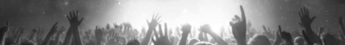 header_crowd.png