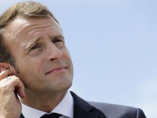 Non, Emmanuel Macron n'est pas centriste