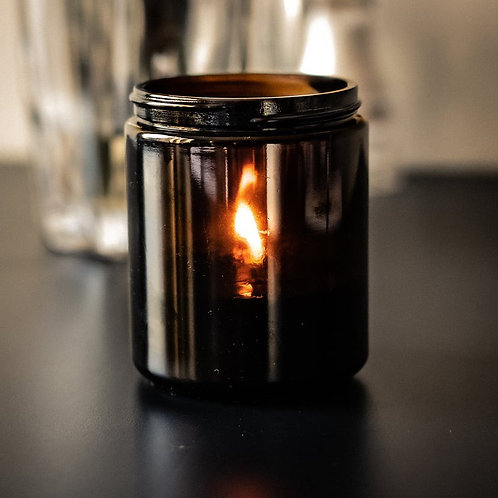 8oz Hand Poured Soy Wax Candle | Lanvender Scent | Made with 100% Essential Oil