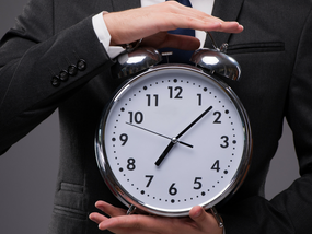 TIME MANAGEMENT How to Become More Productive in Less Time