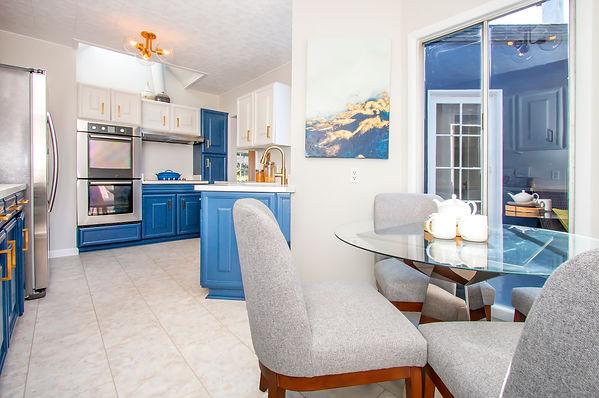 53. Kitchen.jpg