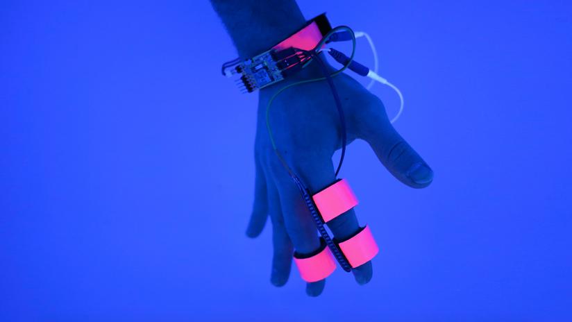 Dormio Glove: Interfacing with Dreams