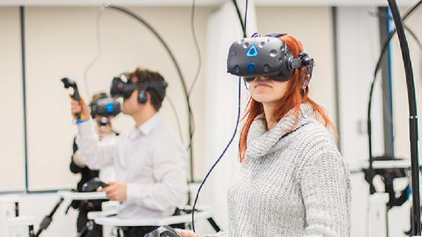Can virtual reality (VR) and augmented reality (AR) be used to treat chronic pain?