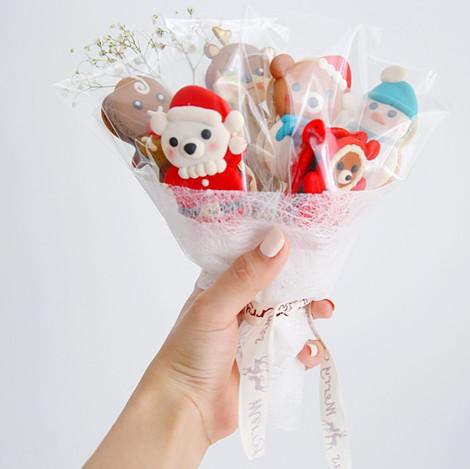 Christmas Macaron Bouquete
