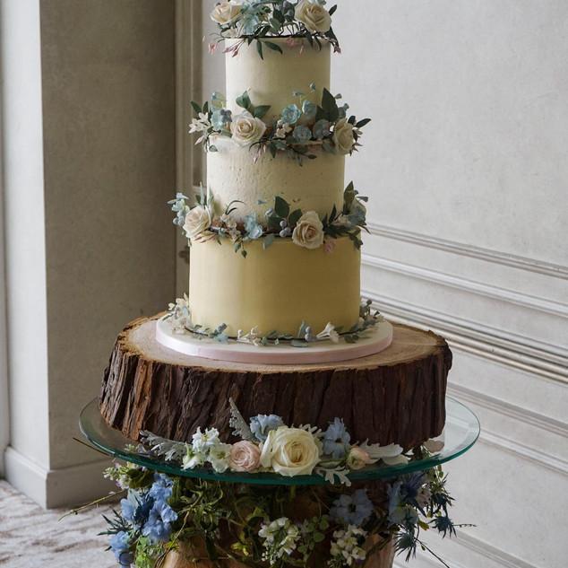 Elegant buttercream wedding cake.